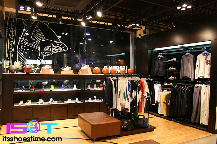 af70f938a62b Nike Basketball Store  Inside Hoop City In Korea Photo Look