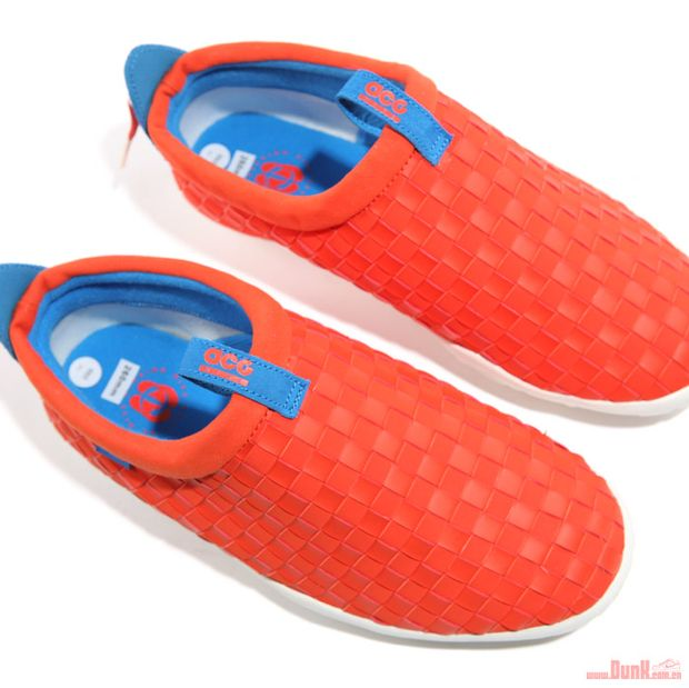 Nike-ACG-Air-Moc-LT-Team-Orange-Photo-Blue (6)