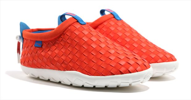Nike-ACG-Air-Moc-LT-Team-Orange-Photo-Blue (3)