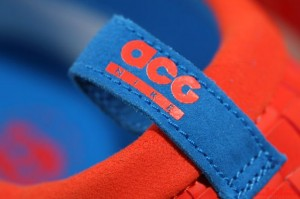Nike-ACG-Air-Moc-LT-Team-Orange-Photo-Blue (2)