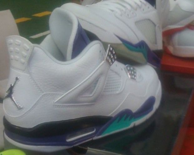 Air Jordan IV Grape (2)