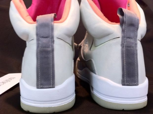 Nike Air Yeezy Samples Worn by Kanye West (27)