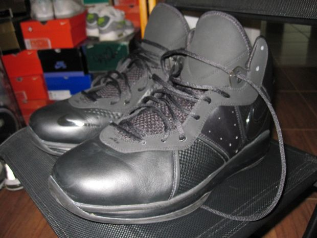 Nike Lebron 8 V1 Blackout Player Exclusive (5)