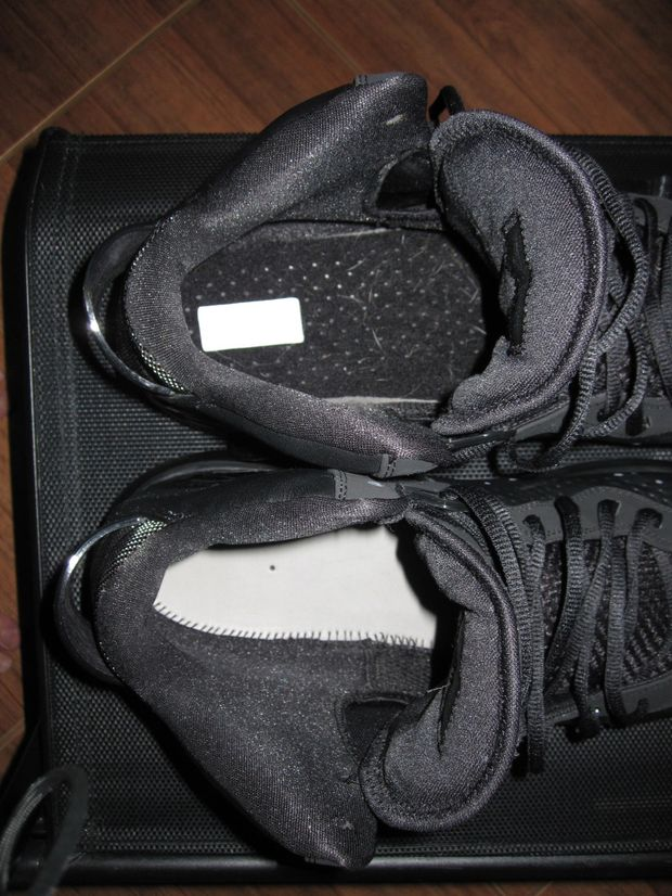 Nike Lebron 8 V1 Blackout Player Exclusive (2)