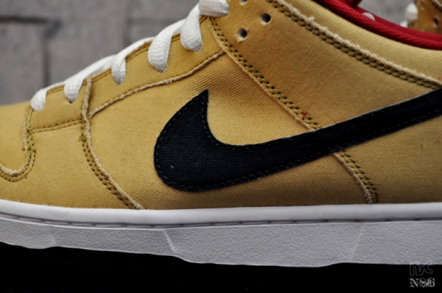 Nike SB Gold Dust Dunk Low (1)