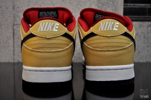 Nike SB Gold Dust Dunk Low (2)