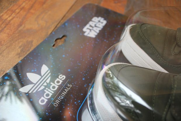 adidas-originals-forum-mid-star-wars-han-solo (10)