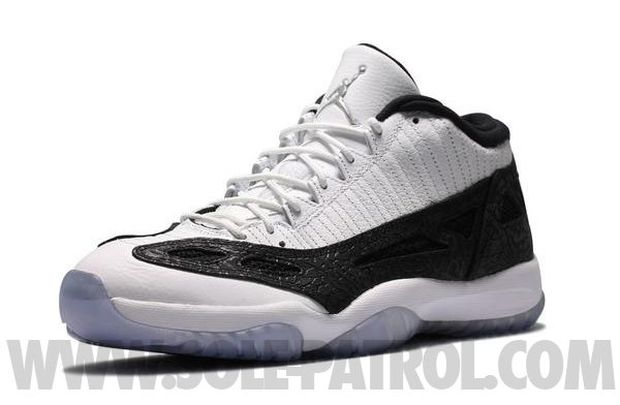 Air Jordan 11 Low White / Black - Metallic Silver (4)