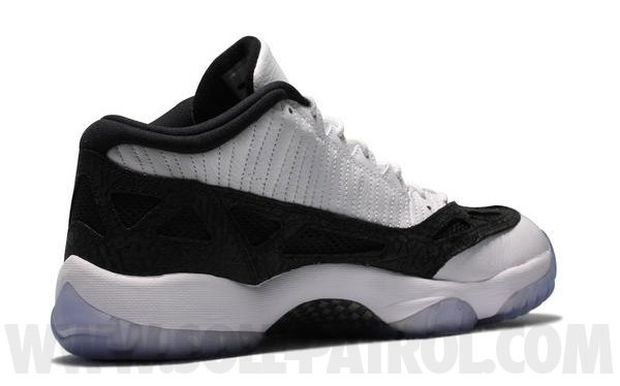 Air Jordan 11 Low White / Black - Metallic Silver (1)