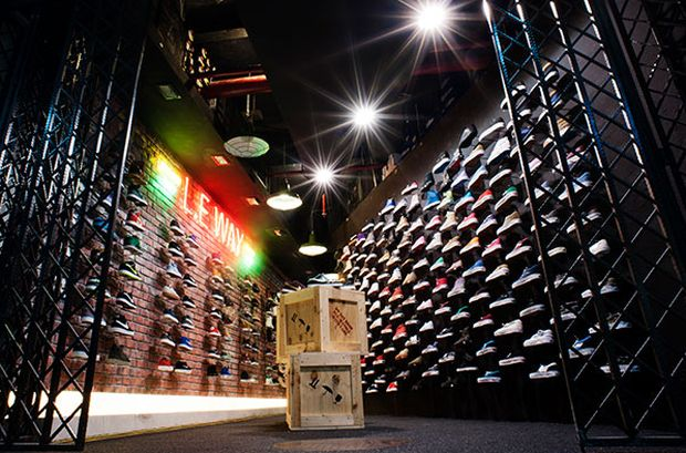 limited-edt-sneaker-store-singapore (2)