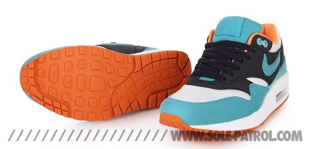 nike-air-max-1-gridirion-blue-orange-white (3)