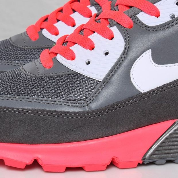 nike-air-max-90-metallic-grey-solar-red (3)