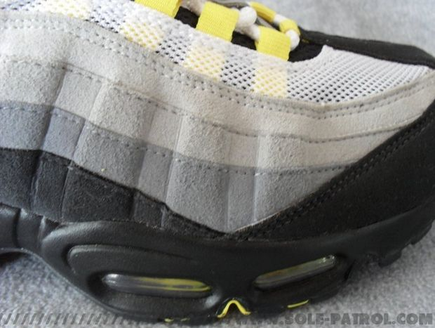 nike-air-max-95-cool-grey-varsity-maize (7)