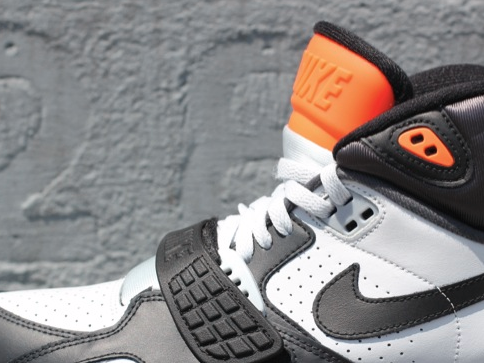 nike-air-sc-trainer-2-black-white-orange (1)