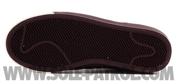 Nike Blazer Low Burgundy (2)