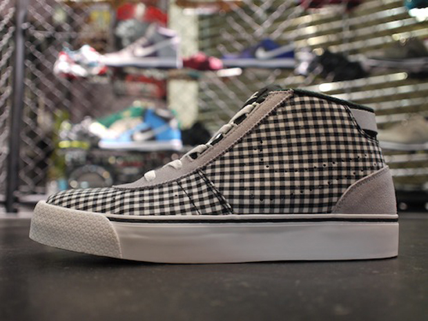 Nike WMNS Hachi Checkered (3)