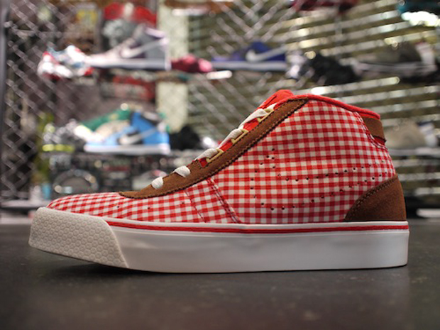 Nike WMNS Hachi Checkered (1)