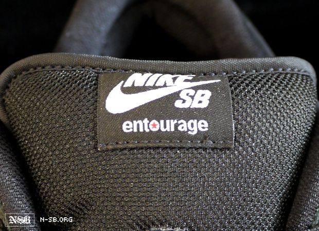 size 40 2d874 de867 nike-sb-dunk-low-entourage (11)
