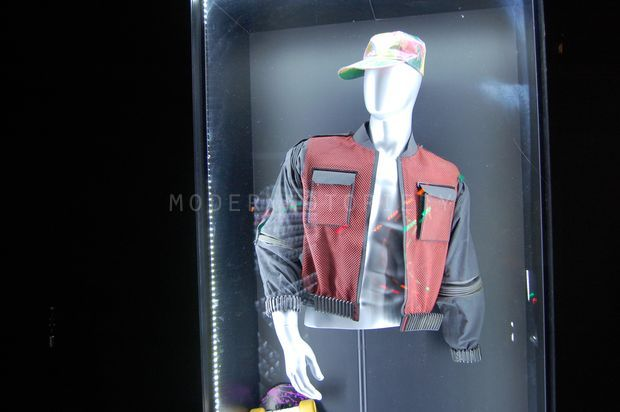 nike-back-for-the-future-memorabilia (17)