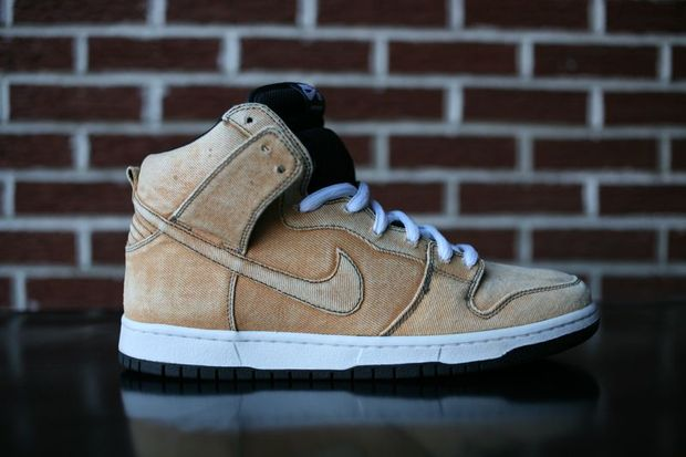 nike-sb-dunk-high-bleached-denim (2)