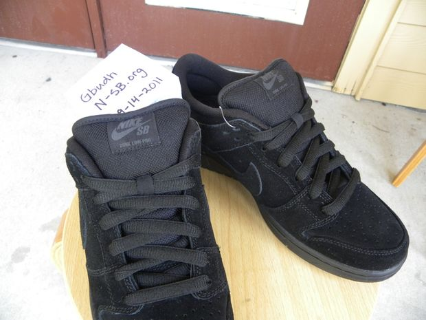 nike-sb-dunk-low-sb-black-out (4)