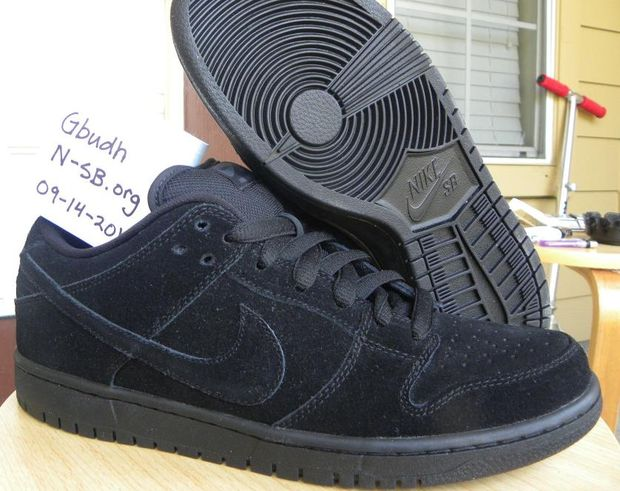 nike-sb-dunk-low-sb-black-out (1)