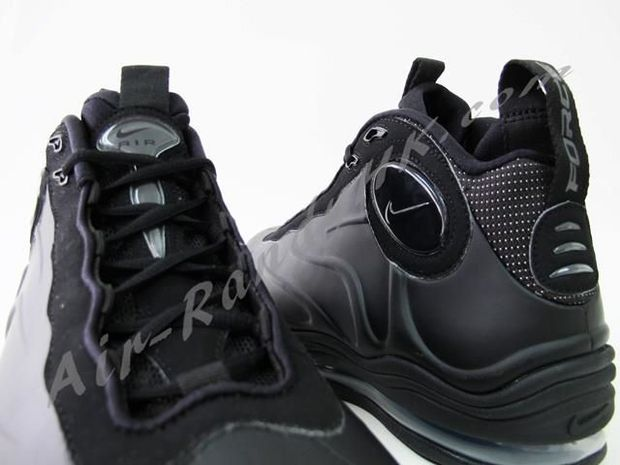 nike-air-total-foamposite-max-Black (1)