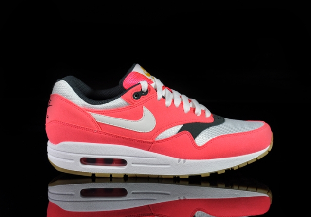 nike-air-max-1-wmns-solar-red-sea-weed-gum (5)