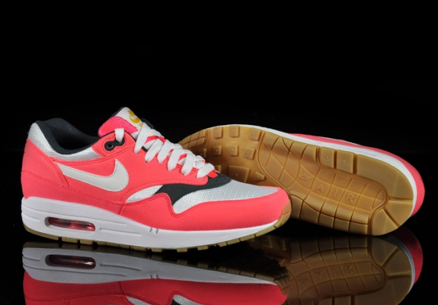 nike-air-max-1-wmns-solar-red-sea-weed-gum (2)