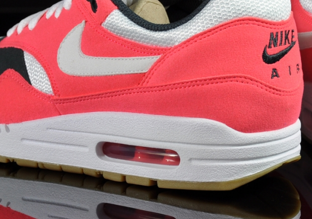 nike-air-max-1-wmns-solar-red-sea-weed-gum (1)