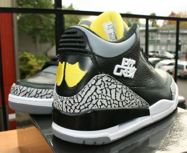 ... Pit Crew - New Images air jordan 3 oregon ducks ... a6cb67d2c5