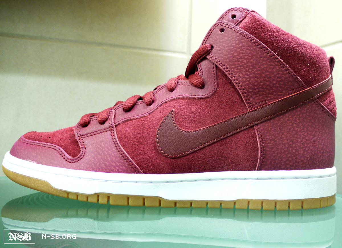 nike-dunk-high-red-mahogany-gum (3)