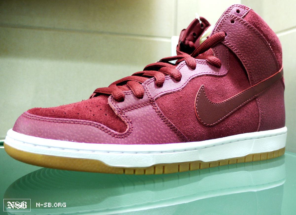 nike-dunk-high-red-mahogany-gum (1)