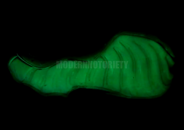 nike-air-foamposite-one-glow-in-the-dark (3)