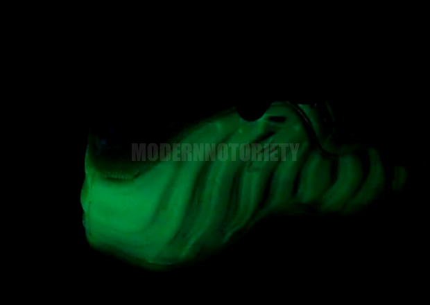 nike-air-foamposite-one-glow-in-the-dark (1)