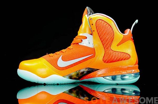 nike-lebron-9-glow-in-the-dark (13)