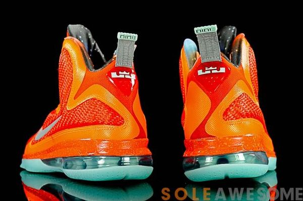 nike-lebron-9-glow-in-the-dark (8)