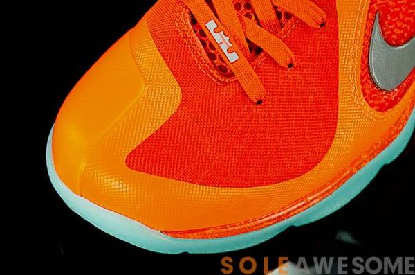 nike-lebron-9-glow-in-the-dark (7)