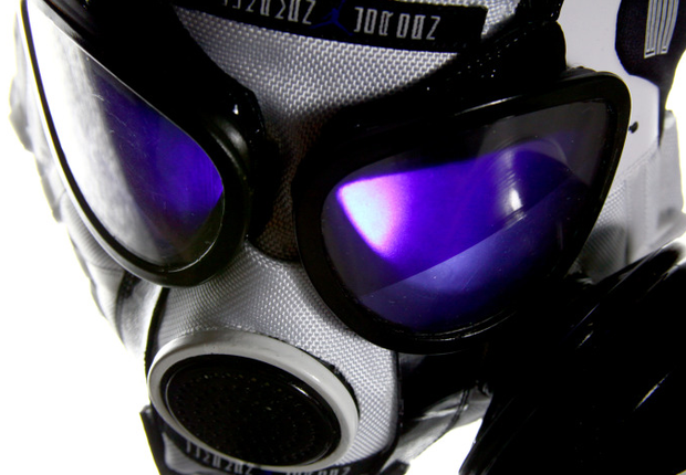 air-jordan-11-concord-gas-mask (7)