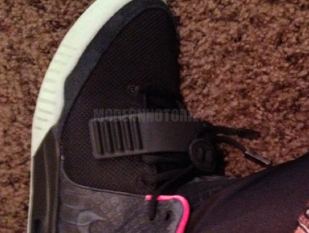nike-air-yeezy-2-black-pink (5)