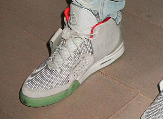 nike-air-yeezy-2-zen-grey (2)