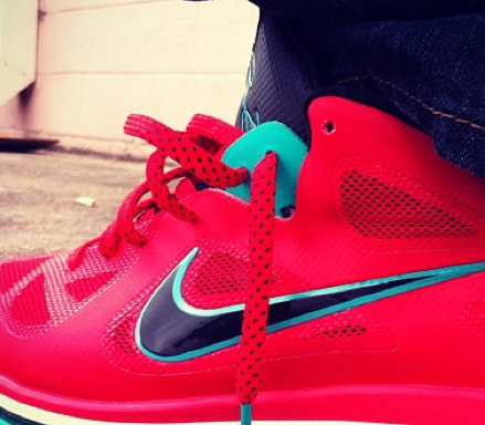 nike-lebron-9-low-bright-red-turquoise (2)