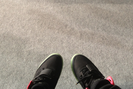 nike-air-yeezy-2-black-solar-red