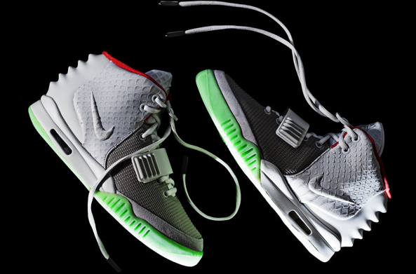 nike-air-yeezy-2-wolf-grey-pure-platinum (2)