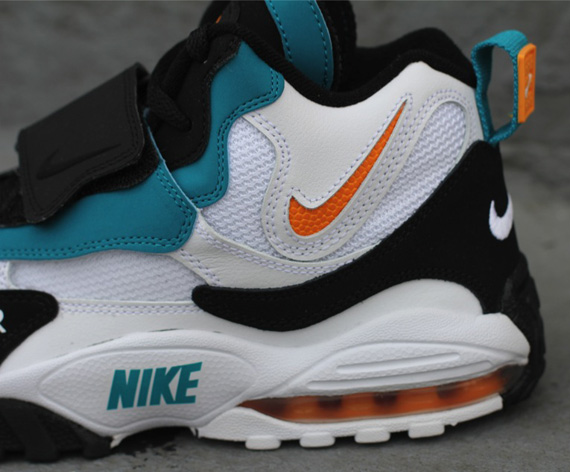 """huge selection of 03e4c bd556 Nike Air Max Speed Turf """"Dolphins"""" – Available Early"""