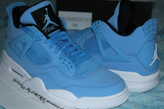 8a01aa5cd3adb2 Air Jordan 4 – Pantone – Available on Ebay