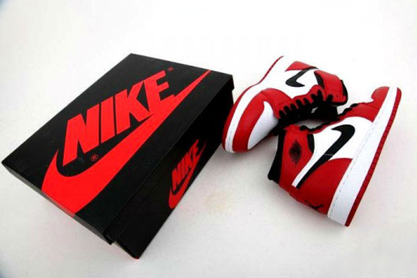 Air-Jordan-1-Red-White-GS_01