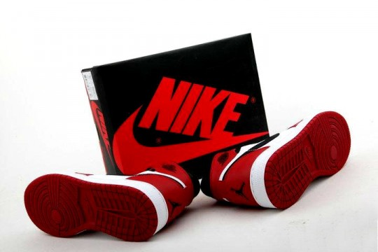 Air-Jordan-1-Red-White-GS_07