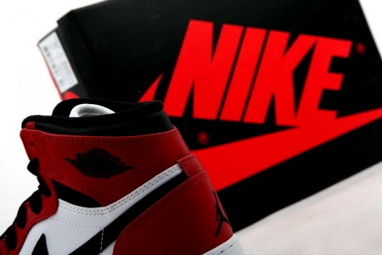 Air-Jordan-1-Red-White-GS_08