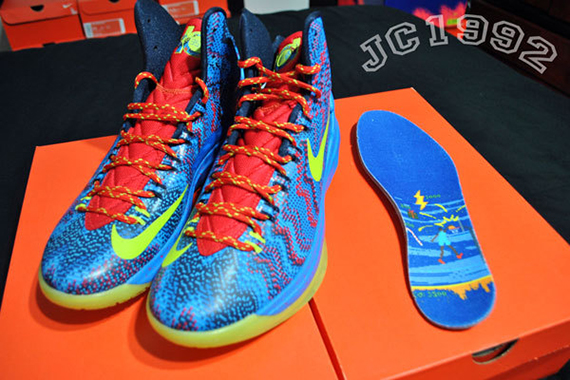new style 26544 cd4d7 With a design that can best be described as a Digi-camo Christmas sweater,  the X-mas version of the Nike Zoom KD V is set to drop its annual X-mas  version ...